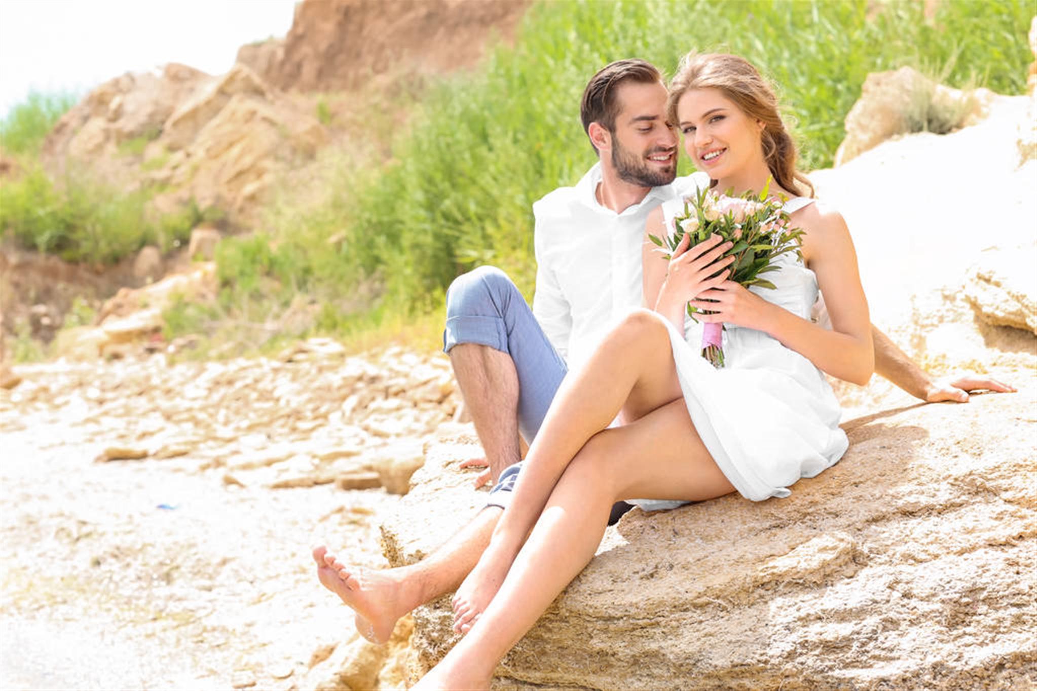 生辰八字算命婚姻配对看日还是时八字和姻缘的关系