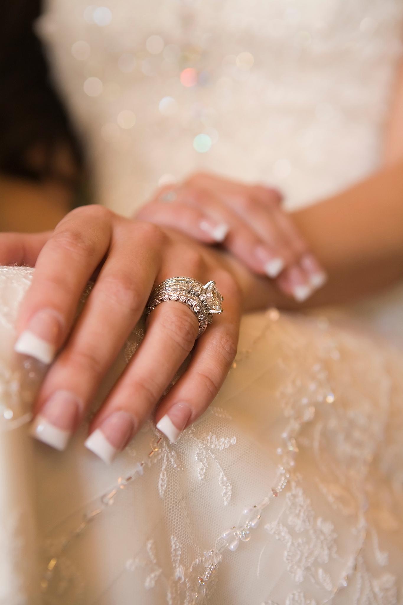 八字合婚到底该不该信 生辰八字一生几次婚姻