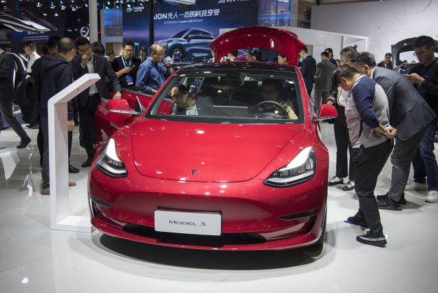 本想弯道超车,却为别人做了嫁衣!国产新能源汽车太不争气!